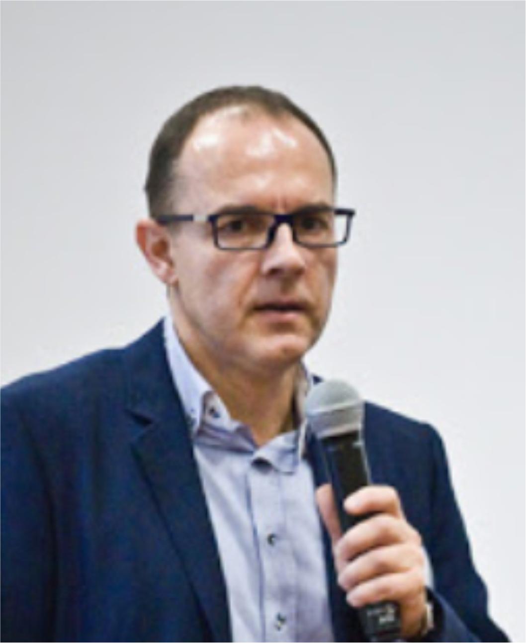 Krzysztof Pisera